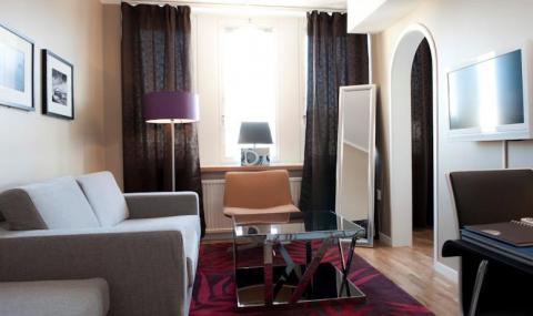 Junior suite (non-refundable)